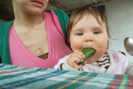 Захранване, водено от бебето – Калина и Бебс