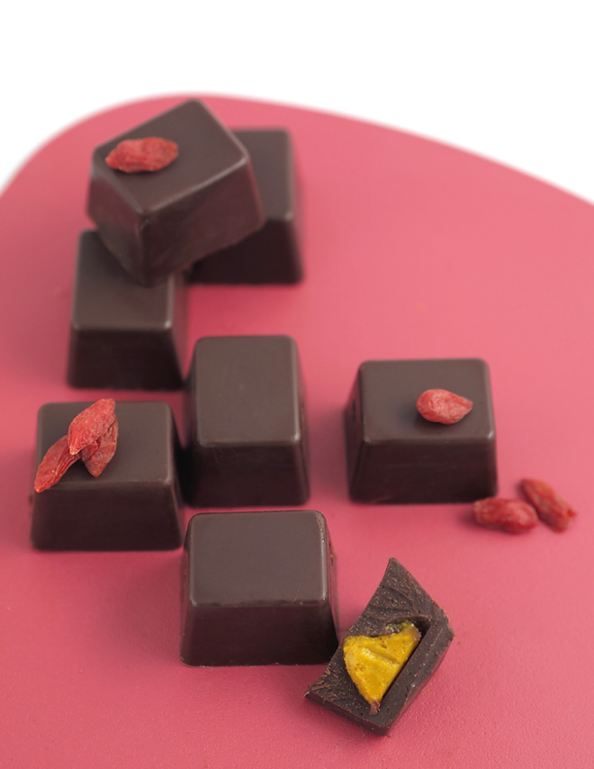 choco-candies-with-goji-filling