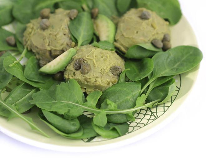 fresh-salad-with-pea-pesto-02