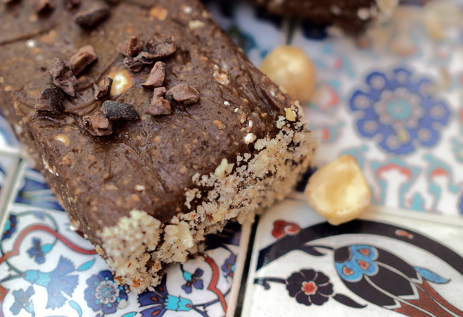 protein-bar-with-hazelnuts-02