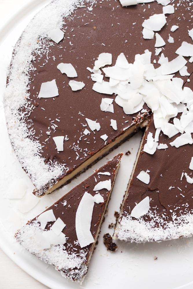 coconut-cake-with-dark-chocolate-01