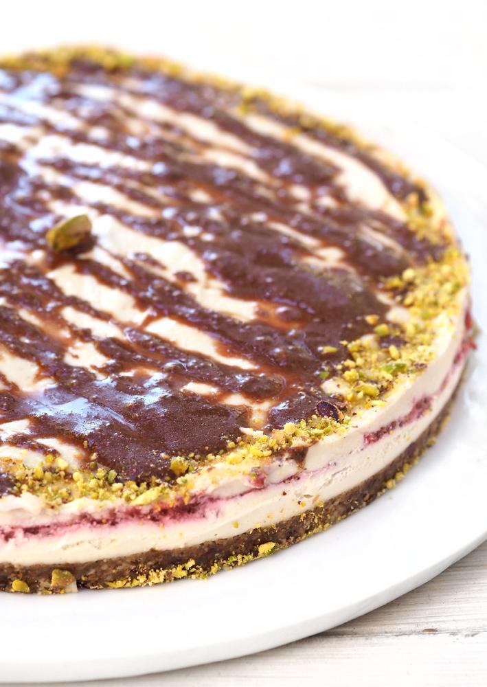 strawberry-cake-01