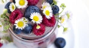 Плодово парфе с горски плодове/ Fruit parfait with forest berries