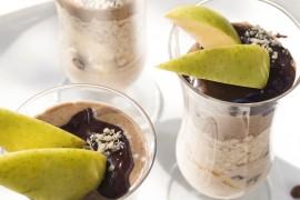 Закуска с ябълка, фъстъчен тахан и течен шоколад/ Apple, peanut tahini and chocolate spread breakfast